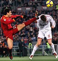 Roma-Milan: 70000 spettatori, ma lo spettacolo latita...