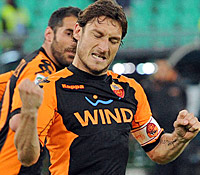 Bari-Roma: 206 gol per Totti, superato il record di Baggio