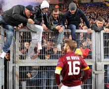 Europa League, Roma-Fiorentina: ennesima figura di merda, la Sud contesta