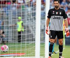Roma-Juventus: Buffon incenerito dalla punizione di Pjanic