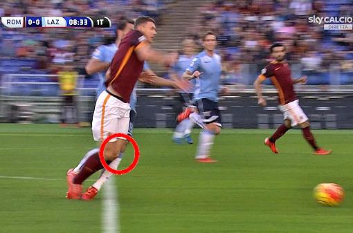 Roma-Lazio: netto rigore su Dzeko!