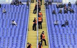 Barriere all'Olimpico=stadio vuoto