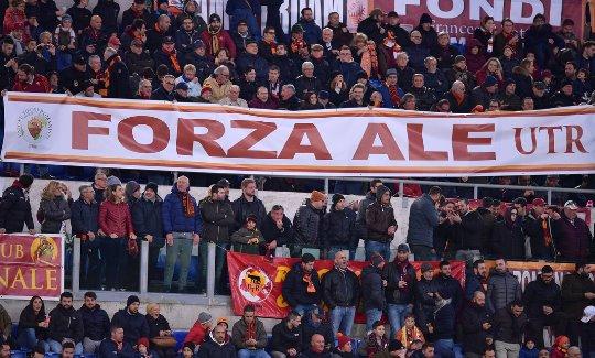 Roma-Torino: striscione per Florenzi nuovamente infortunato al ginocchio