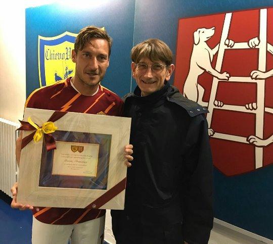 Chievo-Roma: Campedelli omaggia Totti