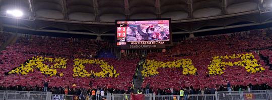Roma-Lazio 2-1: prima scenografia