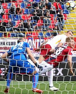 Bologna-Roma: la testa sta a Barcellona ed è solo 1-1